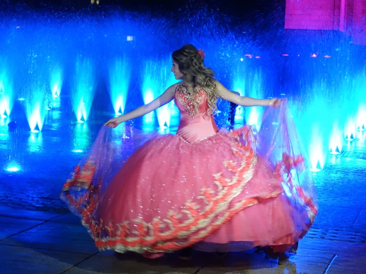 Another popular activity was for young women to get dressed up like princesses and have their picture taken at the fountain. It was like being in a Disney movie.
