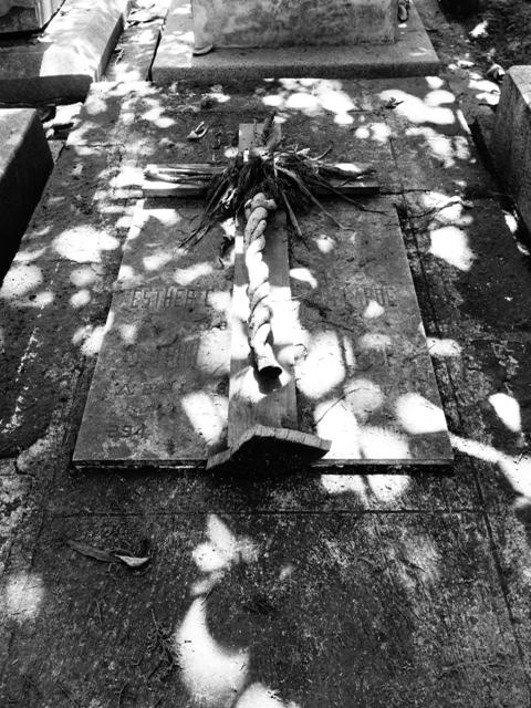 """Divine Light"" (cemetery, Mexico City)"