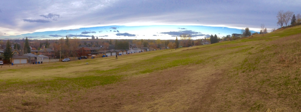 Coming home from yoga I notice the Chinook Arch forming in the west and decided to detour to the West Hillhurst bluff (aka dog park) to get a better view. I never get tired of Calgary's iconic cloud formation.