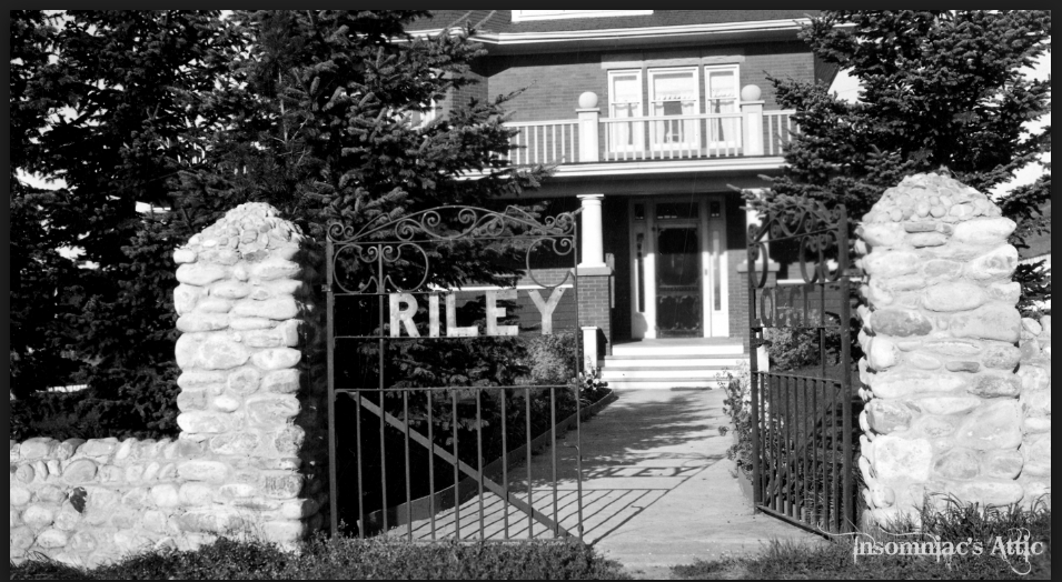 Original entrance to Riley Lodge (photo credit: insomniac's attic)