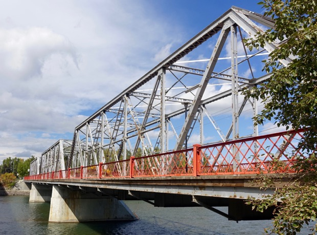 Hextall Bridge's criss-cross trusses are a lovely example of the industrial sense of design of the early 20th century.