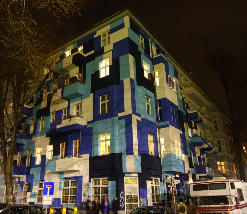 Older residential buildings have also added colour to their facades to make them standout.