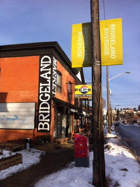 Bridgeland has been evolving for the past 10+ years into a very attractive place for the creative class to live and play with work just a short walk or bike ride away in downtown .