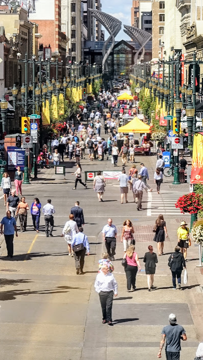 Downtown's Stephen Avenue Walk takes on a festival atmosphere at lunch when 20,000+ workers pour out of the offices along the Walk. Stephen Avenue is a National Historic District.