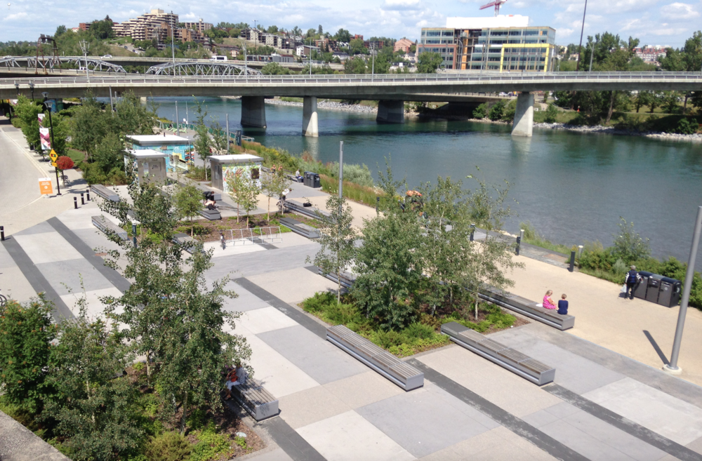 Riverwalk has become a very popular place on the weekends for people to sit and stroll.  It has been heavily programmed by CMCL as a marketing strategy for selling condos.