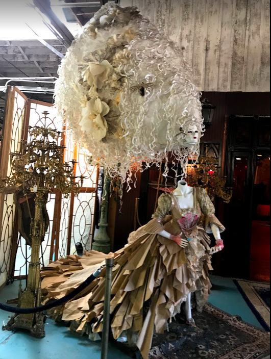 Paris on Ponce   is an eclectic market with 83 vendors offer mostly vintage treasures.  There is an amazing lounge that they use for special events.  Unfortunately they didn't have any events happening while we were there. This art installation is at the entrance to the lounge.