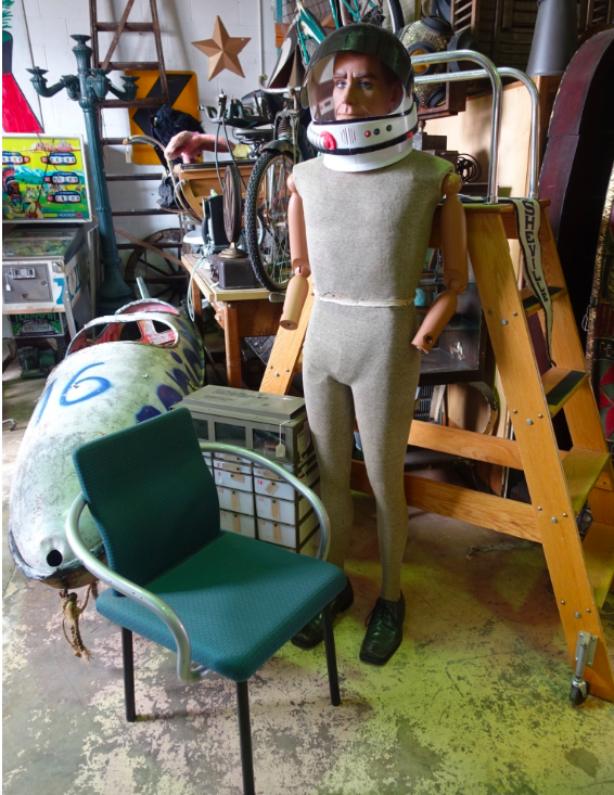 Found this strange dude hanging out at the Antique Factory (huge warehouse of mid-century modern artifacts) in Chamblee's Antique Row, which is easy to get to by MARTA (transit train).