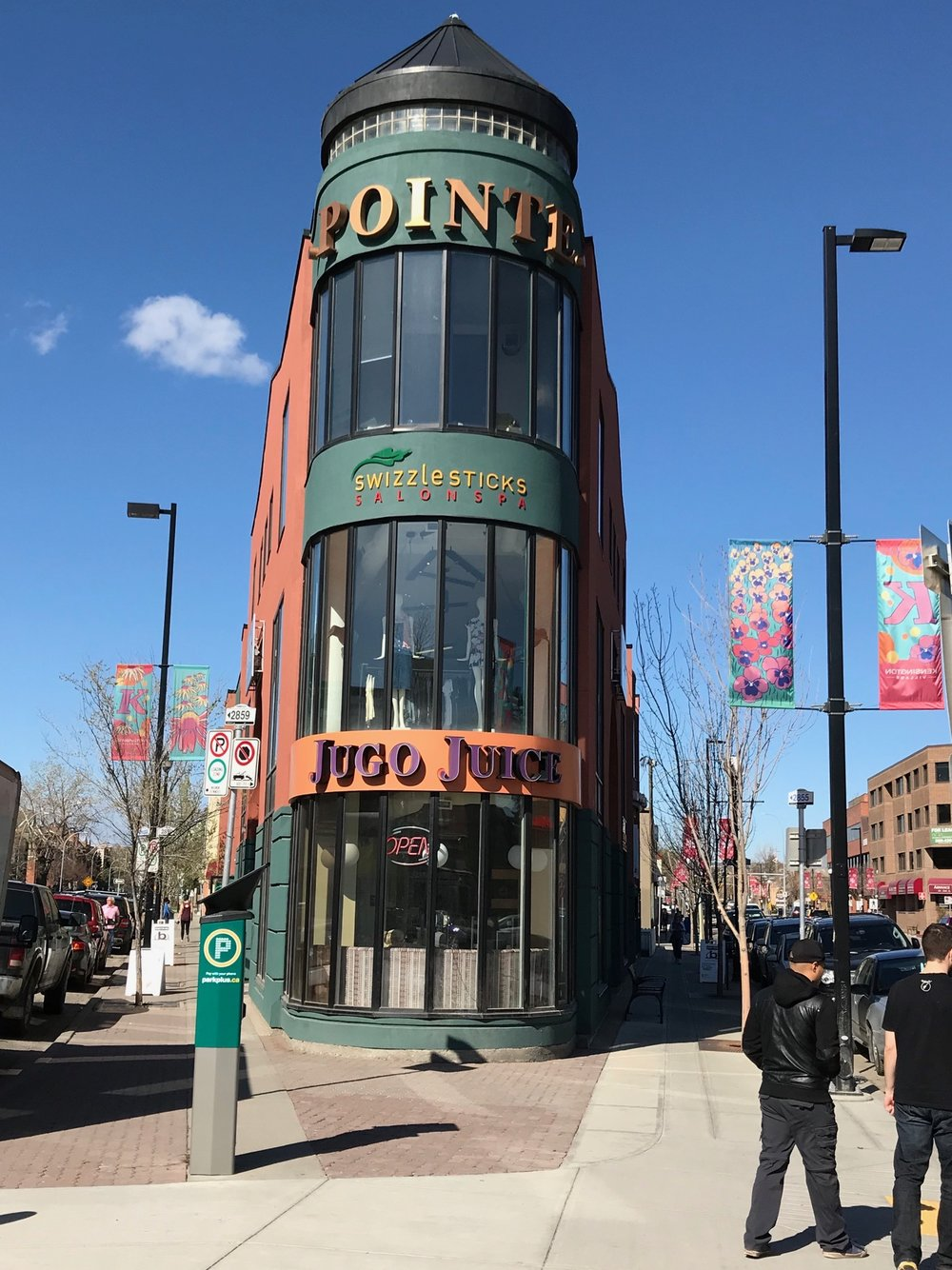 Pointe takes advantage of its triangular site to create a flatiron building.