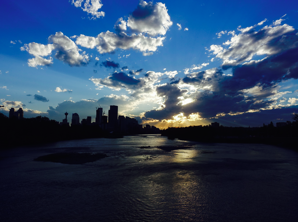 Those living along the River enjoy some spectacular sunsets.