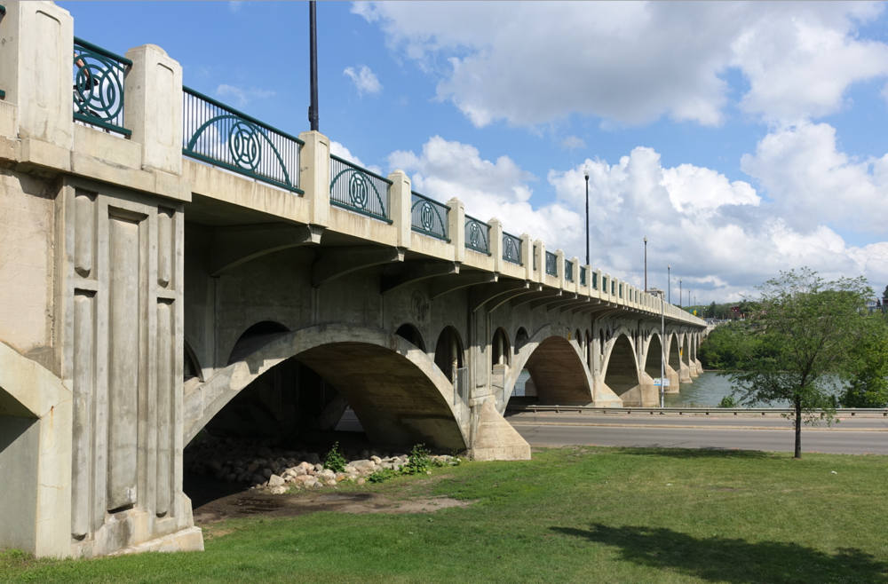 The University Bridge is Saskatoon's iconic bridge. You would think it would have a more meaningful name.