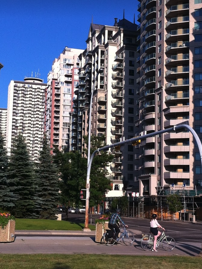 Several new condos were constructed in Downtown West in the '90s, creating a very urban streetscape.
