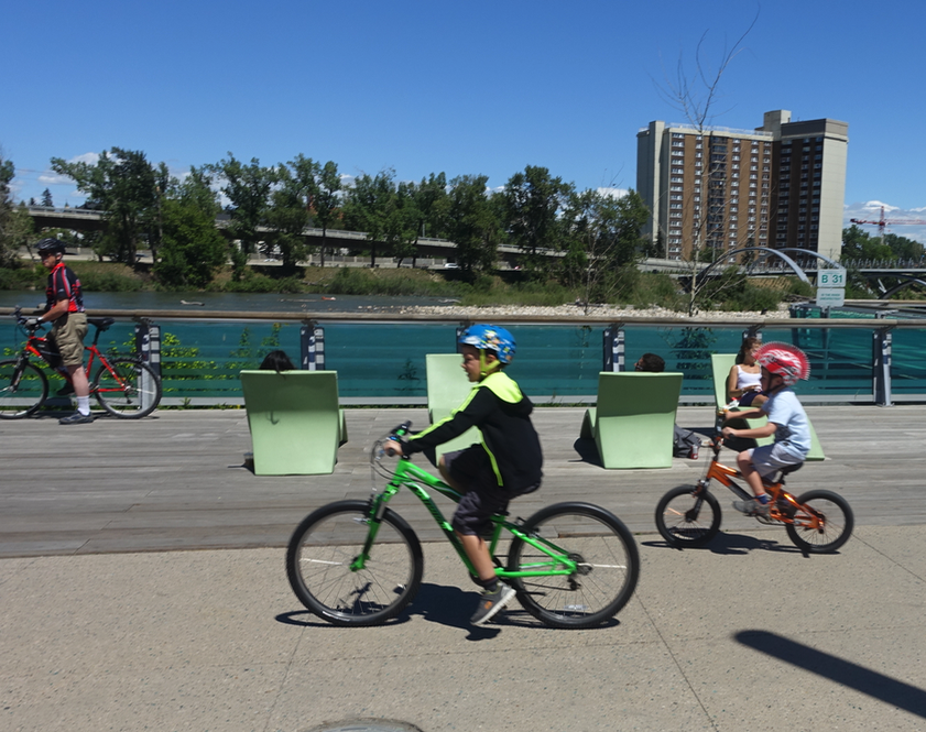 Families love Calgary's 905 kilometres of multi-use pathways.
