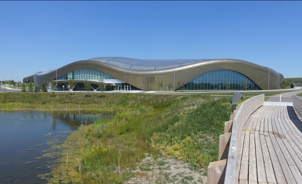 Not only is Calgary's new Rocky Ridge YMCA is the second largest in North America, but it is also a bold architectural statement for those living in new communities on the northwest edge of the City.