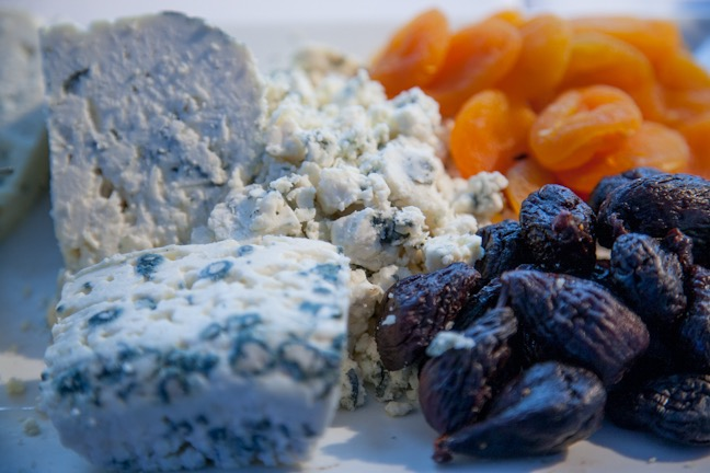 CHEESE & DRIED FRUITS