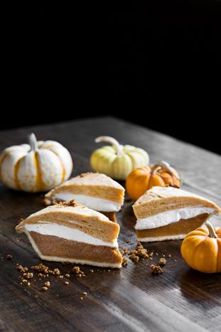 ipic_thanksgiving_3-layer-pumpkin-pie_dylanjeni_5n4a8754-1.jpg