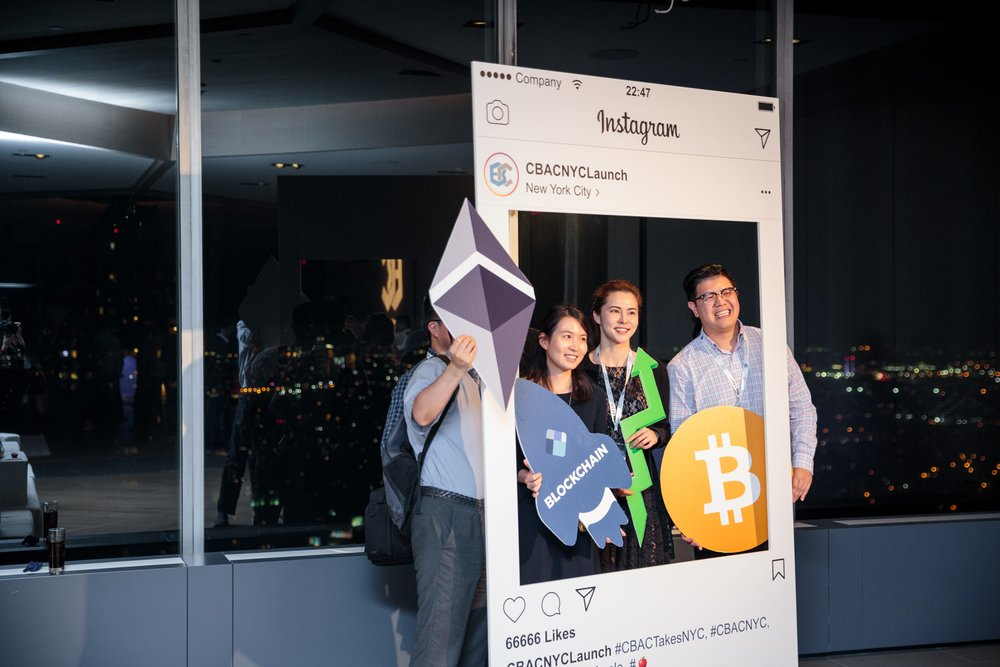 Instagram Frame with Blockchain props