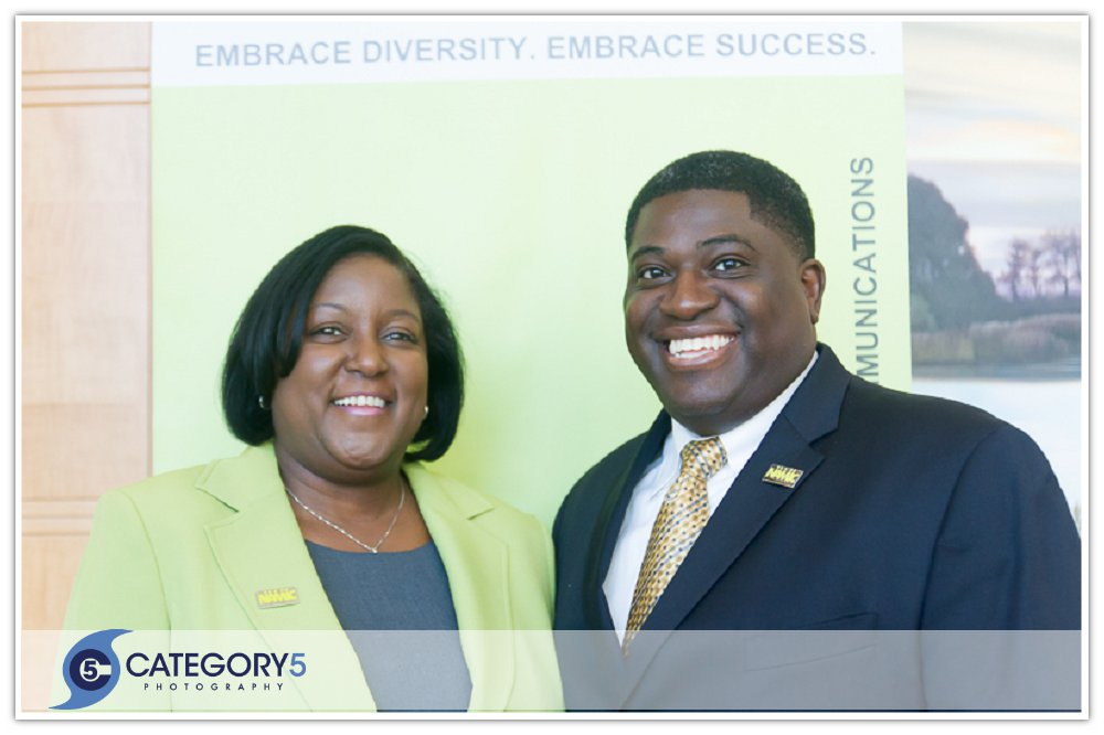2014 Mae Douglas Leadership Award Winner Lynnette Smith, and NAMIC Atlanta Chapter President, William B. Cossey Jr.