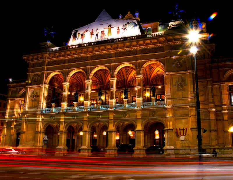 Vienna_opera_house.jpg