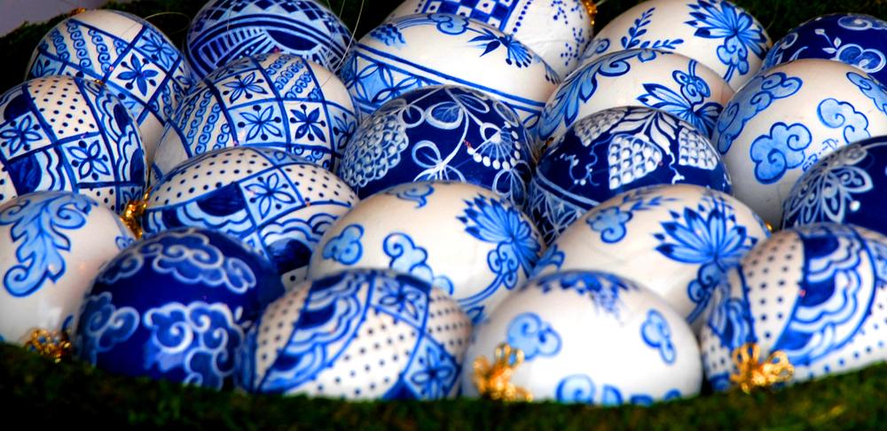 vienna_easter_delf_blue_eggs.jpg