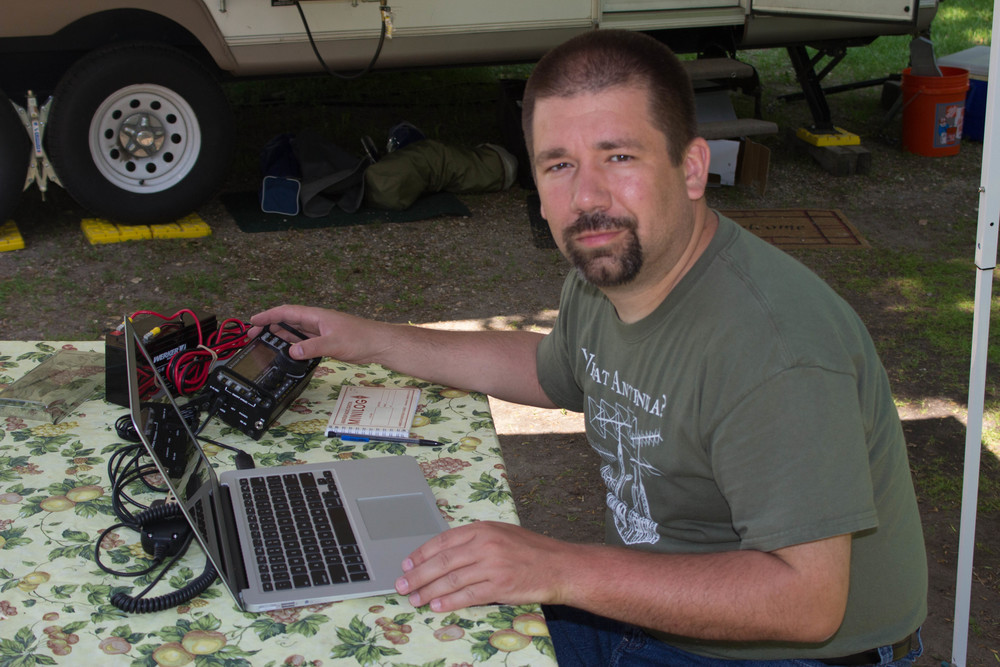 John (NG0R) playing with the Elecraft KX3