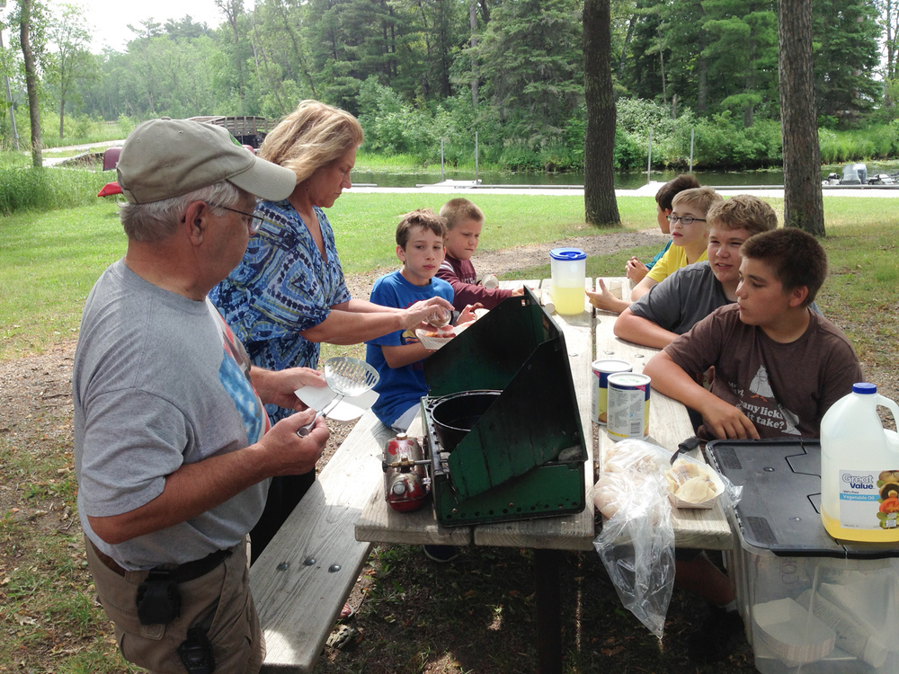 Shore lunch fish fry (kids boat trip)