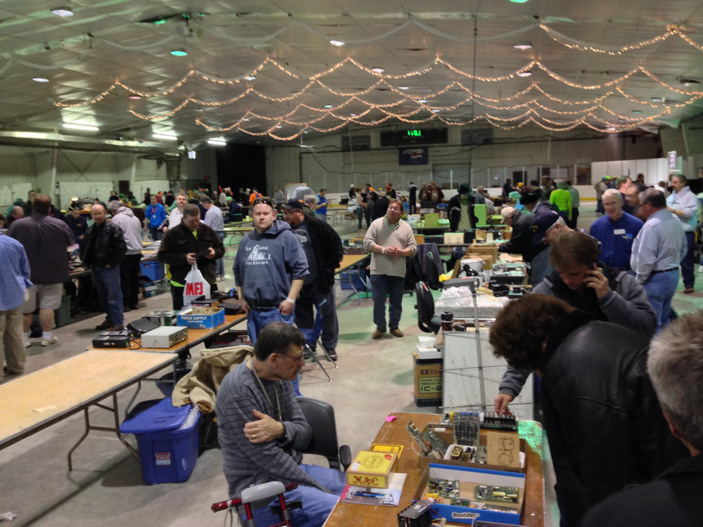 A good customer turnout, but the flea market tables were pretty light and/or empty