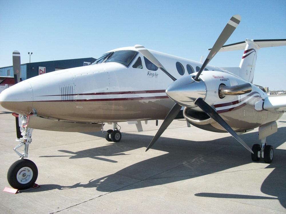 King Air 200 N48CV 018.jpg