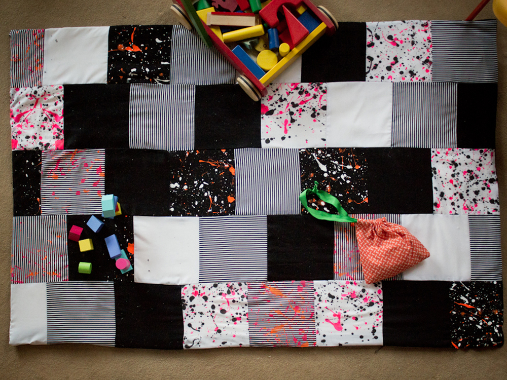 A DIY Quilt Hannah made for Mollie's Makes Mama addition!