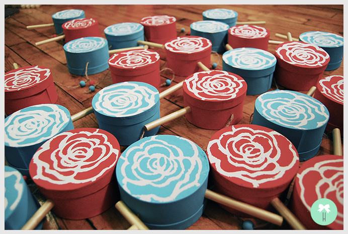 chinese_drums_wedding_red_baby_blue_wedding_colors_down_the_aisle_asian_tradition2.jpg