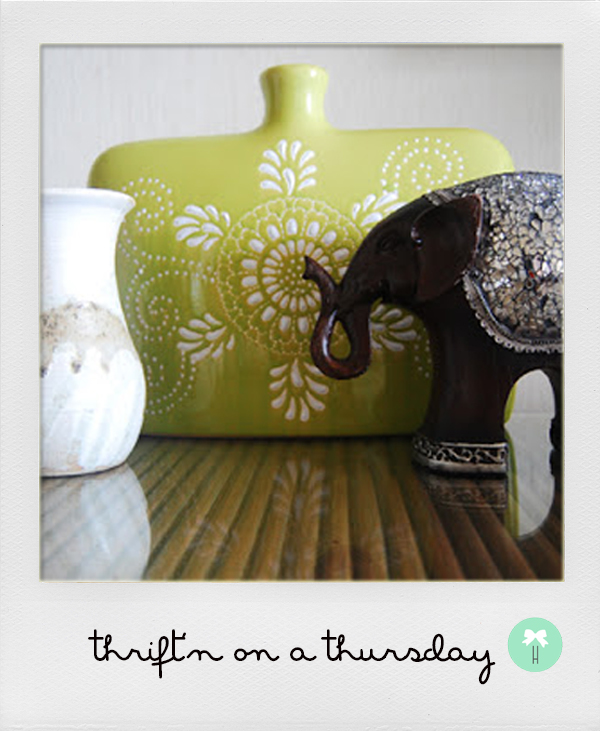 anthropologie_insired_home_decor_vintage_vase_wooden_elephant_big_island_hawaii_thrift_shopping.jpg
