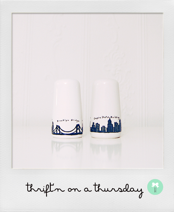 new_york_brooklyn_salt_and_pepper_shaker_skyscraper.jpg