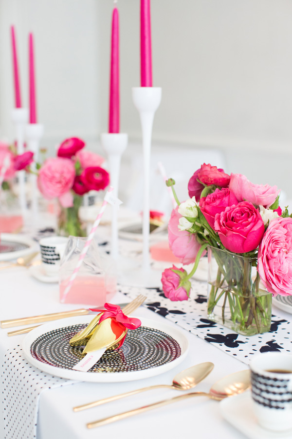 hot_pink_black_white_party_ideas_hanaluluco_charliejuliet_2.jpg