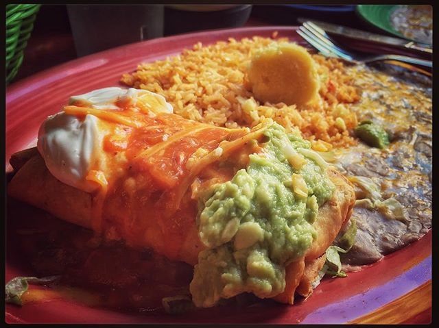 Had to fly to Oregon just to have this chicken chimichanga. 7 years since I last had it. #fat #eltapatiocantina #cottagegrove #funwithfamily #togetherforever