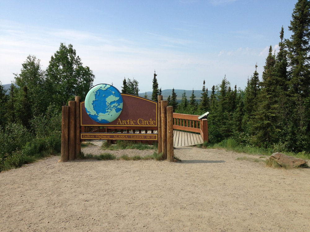 Always a popular stop -- the sign located at the edge of the Arctic Circle!!