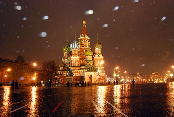 redsquare-snow-moscow_43675_600x450.jpg