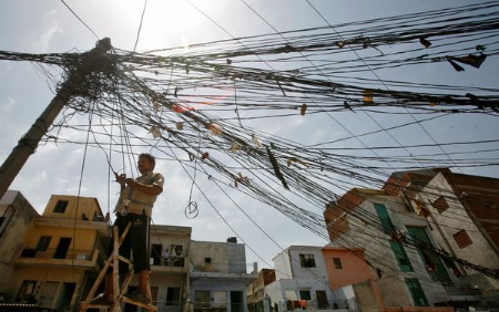 india-power-outage-tangled_57535_600x450.jpg