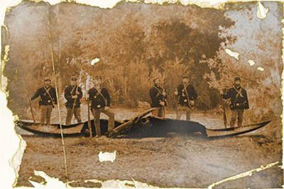 Civil War soldiers pose with the remains of a potential quetzalcoatlus