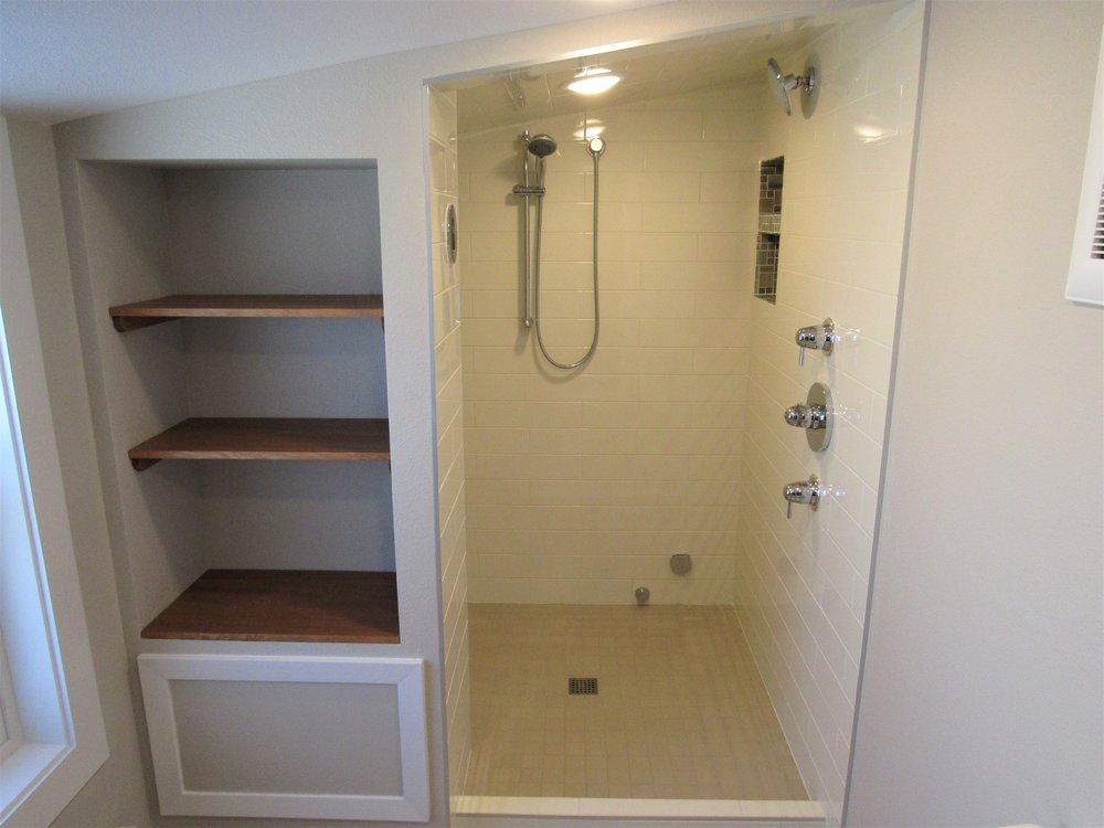 McLean shower1.jpg