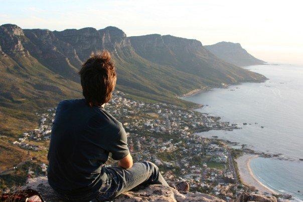 Nicolas Born, o engenheiro de TI, e as montanhas dos Doze Apótolos, na África do Sul.