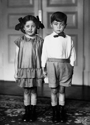 August Sander - Middle Class Children (1925)