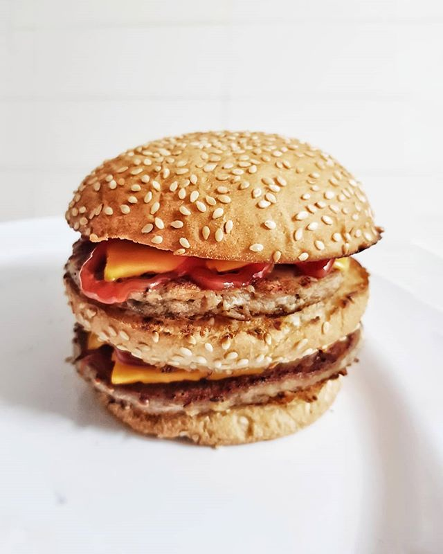 A nova onda: fast food artesanal. Tudo de baixíssima qualidade, mas feito em casa.