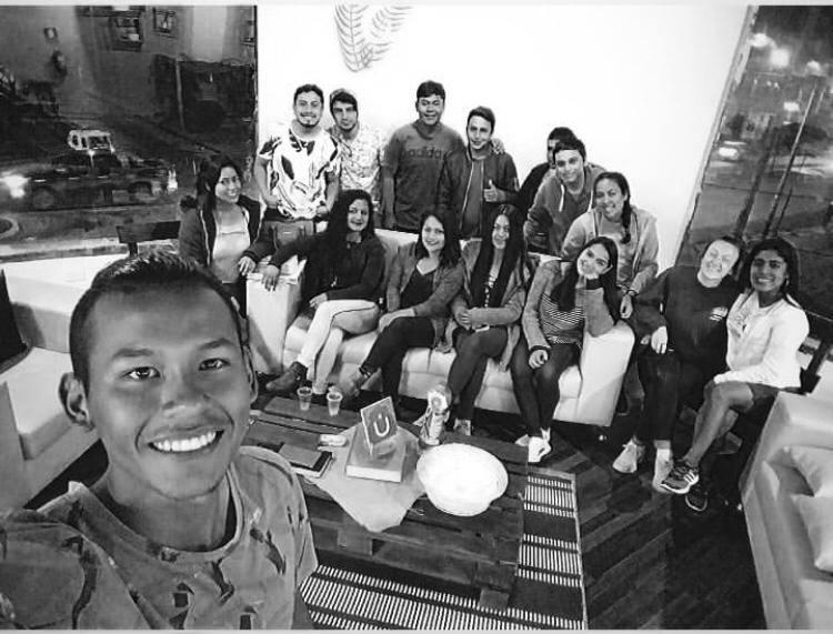 Reunión de jóvenes - 2 viernes al mes 7 pm / Av. Evitamiento Sur 507, Cajamarca> ¡Ven y pasa tiempo con nosotros disfrutando de la palabra de Dios y la compañía de amigos!