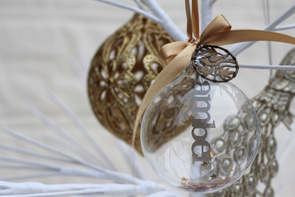 Personalised papercut bauble © studio seed   Photograph by Alex Carlile