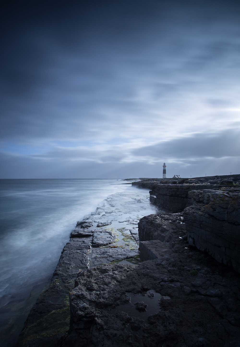 Inis Oirr, Lighthouse