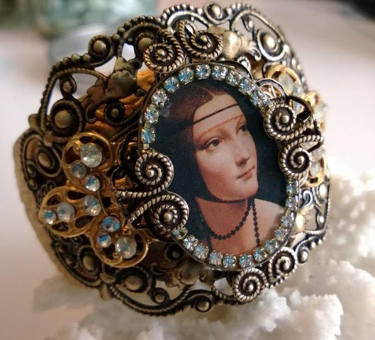 finished renaissance cuff.jpg