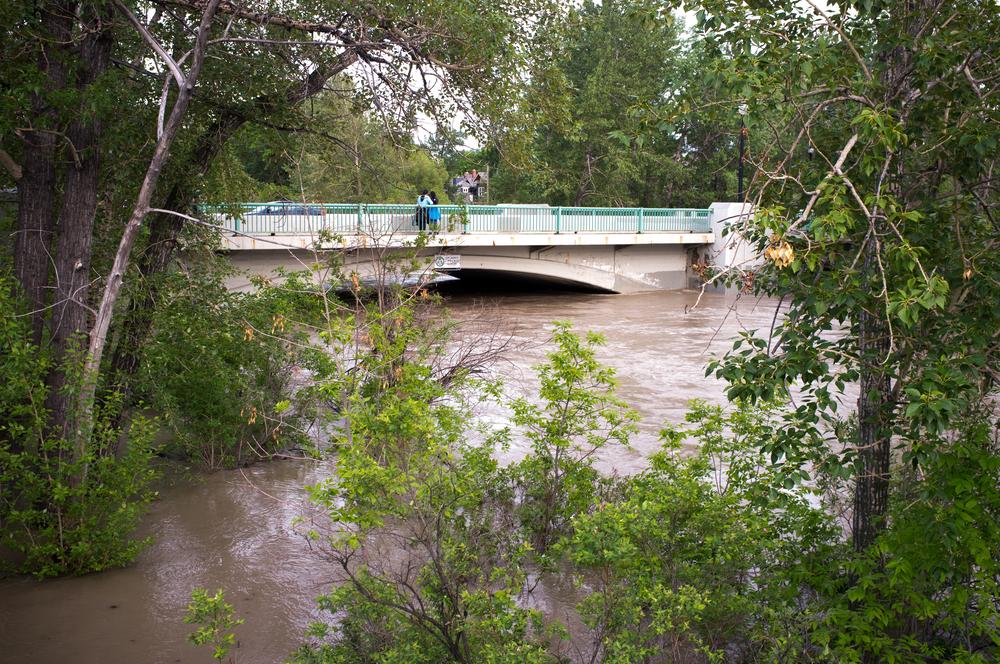 Waters rising against the 4th Street Bridge. Peak flow is expected in twelve hours.