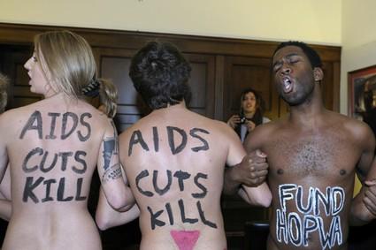 FE_DA_1127_AIDS_Protest_Boehner425x283.jpeg