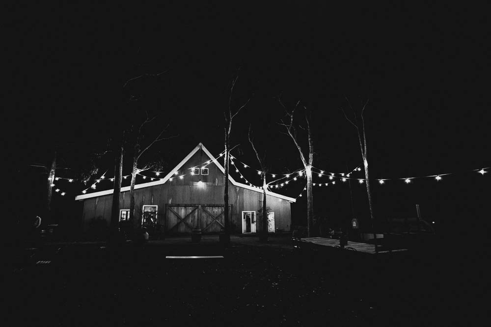 the-barn-wallington-wedding-photographer116.jpg