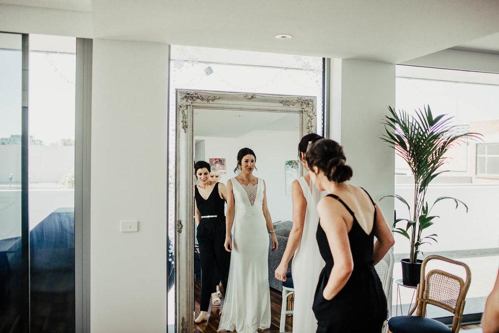Melbourne Museum Wedding Photographer-6.jpg