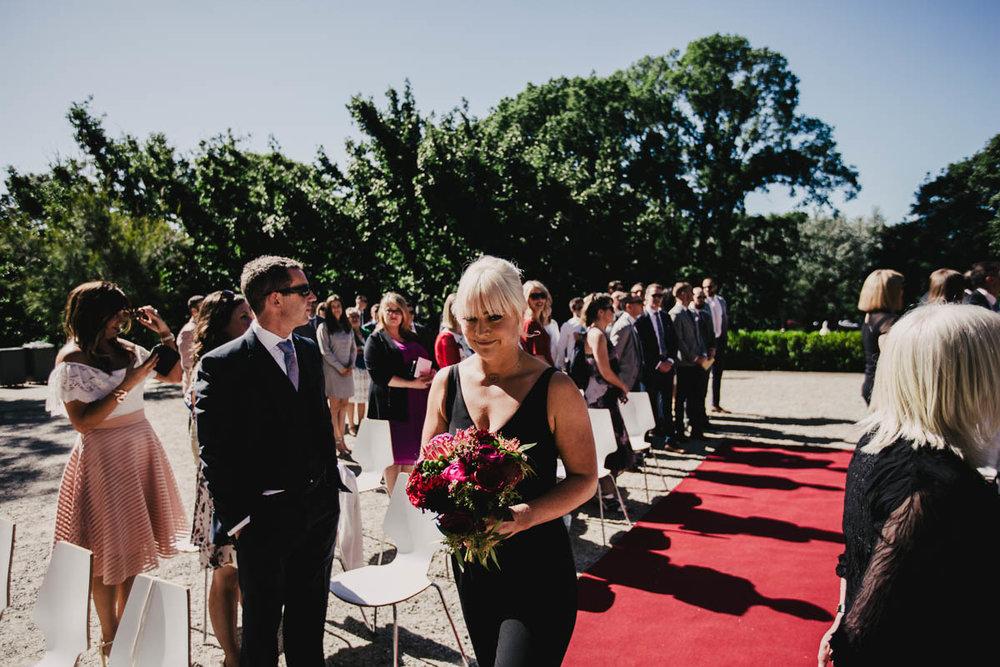 Melbourne Museum Wedding Photographer-18.jpg